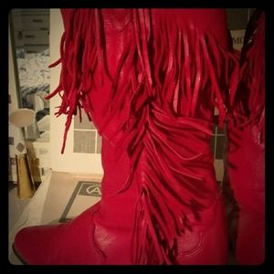 7 &1/2 M; red leather Fringe boots